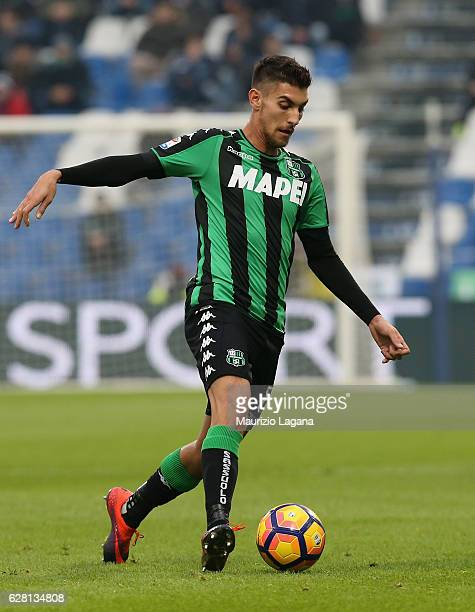 Lorenzo Pellegrini of Sassuolo during the Serie A match between US Sassuolo and Empoli FC at Mapei Stadium Citta' del Tricolore on December 4 2016 in...