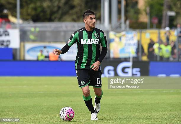 Lorenzo Pellegrini of Sassuolo in action during the Serie A match between Frosinone Calcio and US Sassuolo calcio at Stadio Matusa on May 8 2016 in...