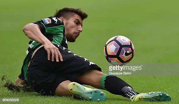 Lorenzo Pellegrini of US Sassuolo in action during the Serie A match between US Sassuolo and Genoa CFC at Mapei Stadium Citta' del Tricolore on...