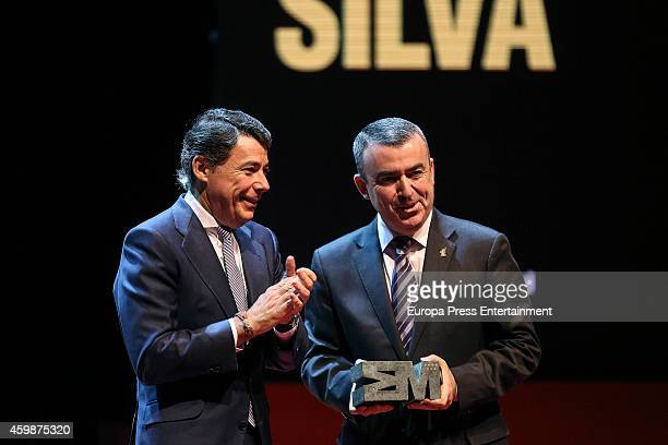 Lorenzo Silva and Ignacio Gonzalez attend the 'Teather' 2013 award from Madrid Regional President Ignacio Gonzalez on December 2 2014 in Madrid Spain