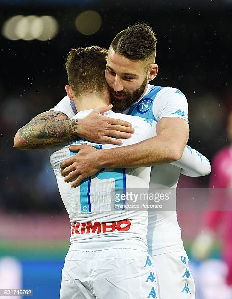 Lorenzo Tonelli and Dries Mertens of SSC Napoli celebrate the 30 goal scored by Dries Mertens during the Serie A match between SSC Napoli and Pescara...