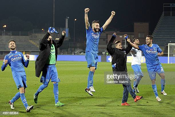Lorenzo Tonelli of Empoli FC celebrates the victory after the Serie A match between Empoli FC and SS Lazio at Stadio Carlo Castellani on November 29...