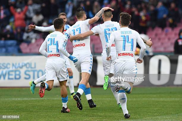 Lorenzo Tonelli of SSC Napoli celebrates with team mates after scoring during the Serie A TIM match between SSC Napoli and Pescara Calcio at Stadio...