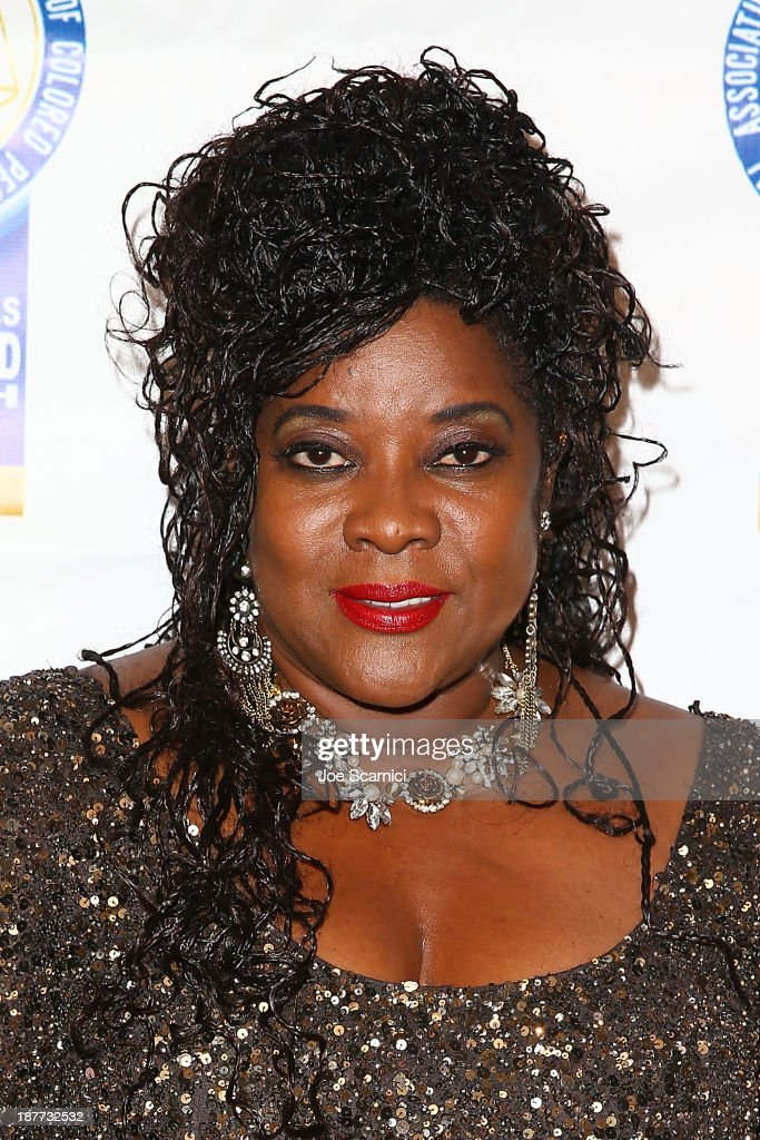<a gi-track='captionPersonalityLinkClicked' href=/galleries/search?phrase=Loretta+Devine&family=editorial&specificpeople=214600 ng-click='$event.stopPropagation()'>Loretta Devine</a> arrives at the 23rd annual NAACP Theatre Awards at Saban Theatre on November 11, 2013 in Beverly Hills, California.