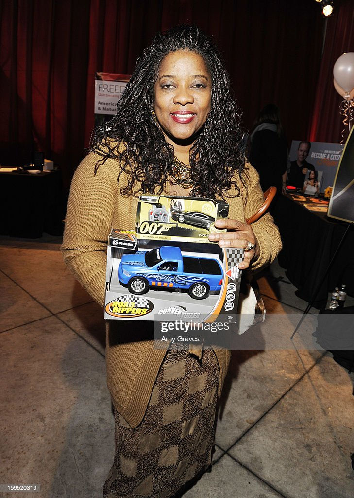 Loretta Devine attends GBK's Luxury Lounge during Golden Globe weekend day 2 at L'Ermitage Beverly Hills Hotel on January 12, 2013 in Beverly Hills, California.