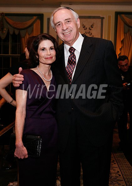 Lori Fink and Sheldon Pearl attends The NYU Cancer Institute