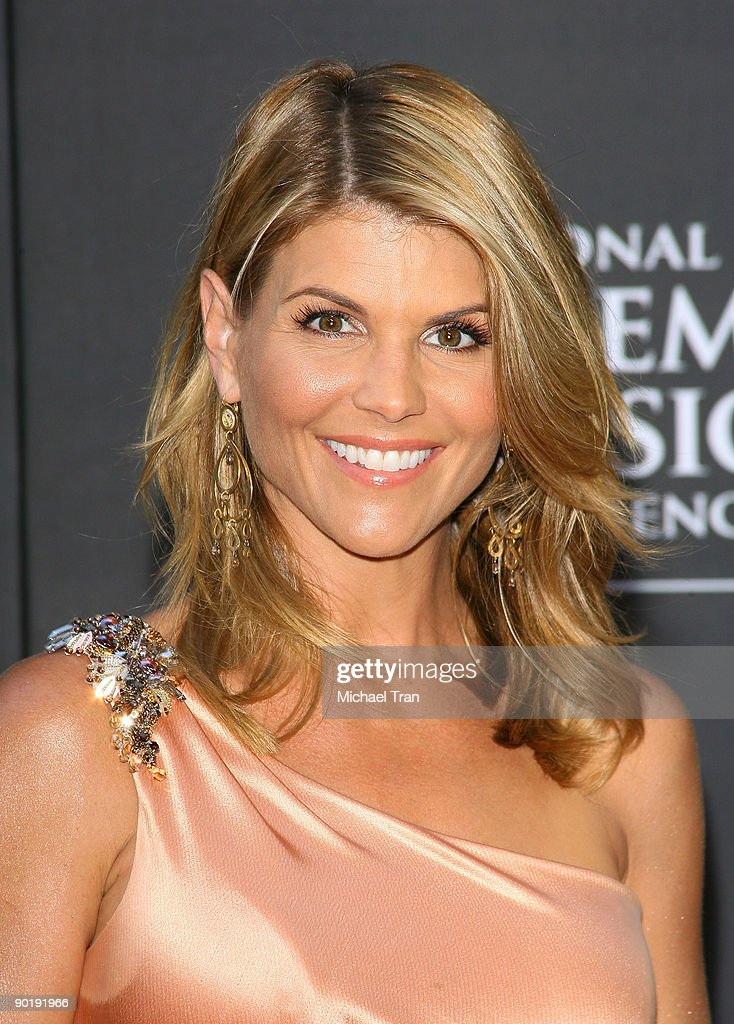 Lori Loughlin arrives to the 36th Annual Daytime Emmy Awards held at The Orpheum Theatre on August 30, 2009 in Los Angeles, California.