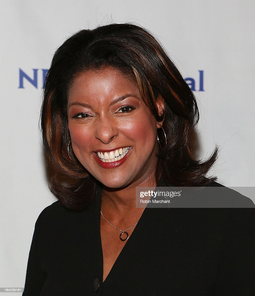 Lori Stokes attends National Lesbian And Gay Journalists Association 18th Annual New York Benefit on March 21, 2013 in New York, United States.