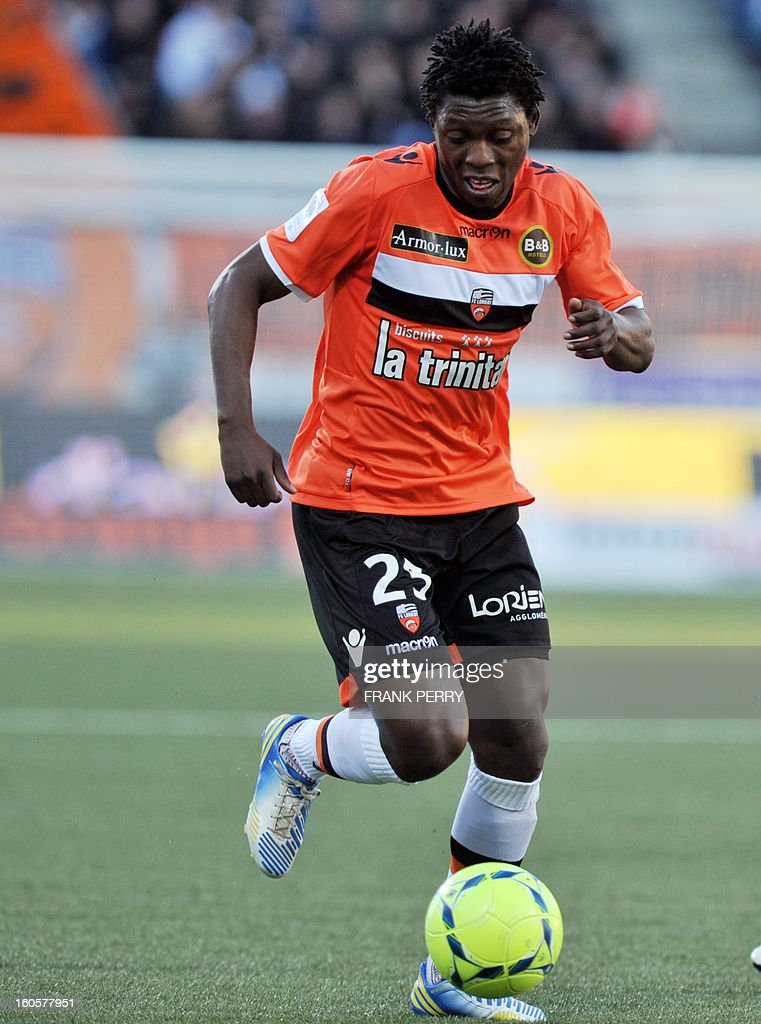 Lorient's Senegalese defender Lamine Gassama controls the ball during the French L1 football match Lorient (FC) vs Rennes (Stade Rennais) on February 2, 2013 at the Moustoir Stadium in Lorient, western France.