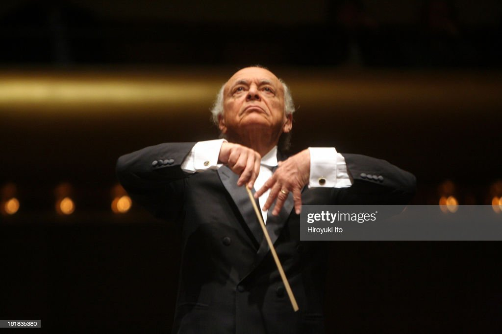 <a gi-track='captionPersonalityLinkClicked' href=/galleries/search?phrase=Lorin+Maazel&family=editorial&specificpeople=935587 ng-click='$event.stopPropagation()'>Lorin Maazel</a> conducts New York Philharmonic in Brahms's 'Symphony No.4' at Avery Fisher Hall on Wednesday night, January 30, 2008.