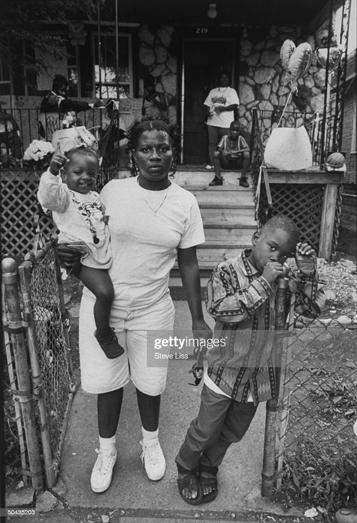 Lorina Sandifer, Robert Yummy Sandifer's mother, 11-yr-old Black Disciples member who shot & killed 14-yr-old Shavon Dean instead of intended rival gang victim, becoming liability to his gang, found shot, execution-style, w. her kids at grandma JanieFields' (bkgrd.) home