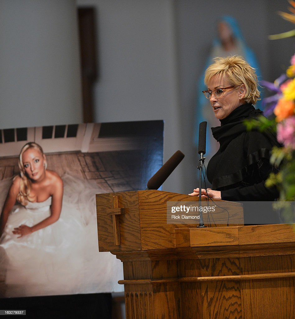 <a gi-track='captionPersonalityLinkClicked' href=/galleries/search?phrase=Lorrie+Morgan&family=editorial&specificpeople=1063734 ng-click='$event.stopPropagation()'>Lorrie Morgan</a> speaks during the memorial service for Mindy McCready at Cathedral of the Incarnation on March 6, 2013 in Nashville, Tennessee. McCready was found dead from an apparent suicide on February 17, 2013 at her home in Heber Springs, Arkansas.
