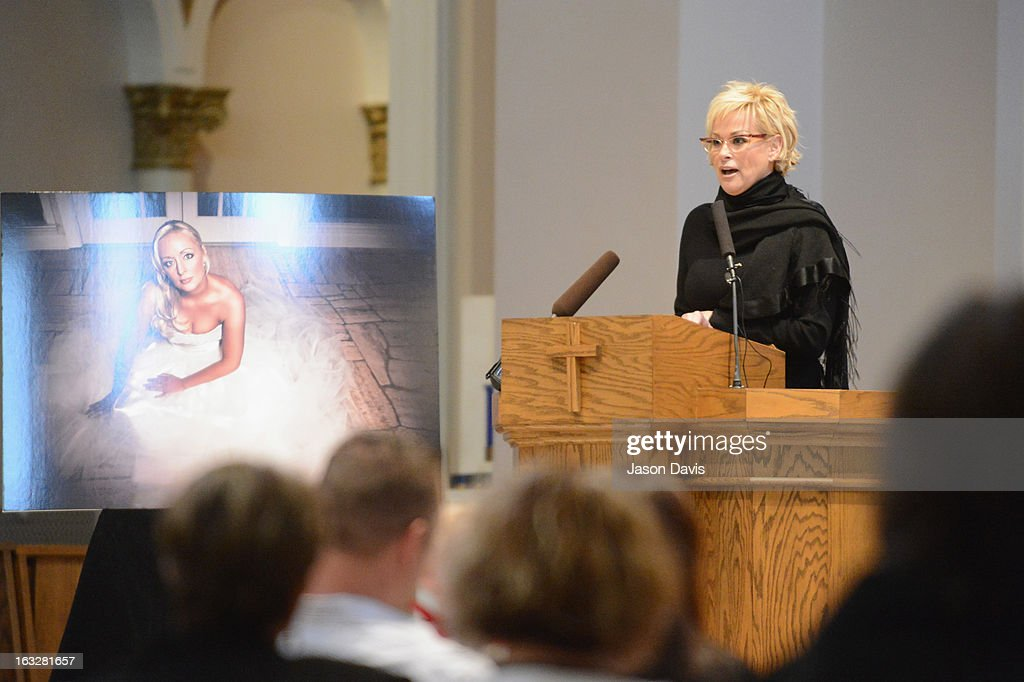 <a gi-track='captionPersonalityLinkClicked' href=/galleries/search?phrase=Lorrie+Morgan&family=editorial&specificpeople=1063734 ng-click='$event.stopPropagation()'>Lorrie Morgan</a> speaks during the Mindy McCready Memorial Service at Cathedral of the Incarnation on March 6, 2013 in Nashville, Tennessee. McCready was found dead from an apparent suicide on February 17, 2013 at her home in Heber Springs, Arkansas.