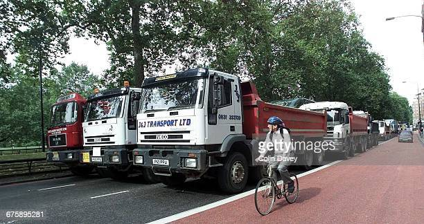Lorry drivers block Park Lane in London as part of a fuel duty protest 13th September 2000