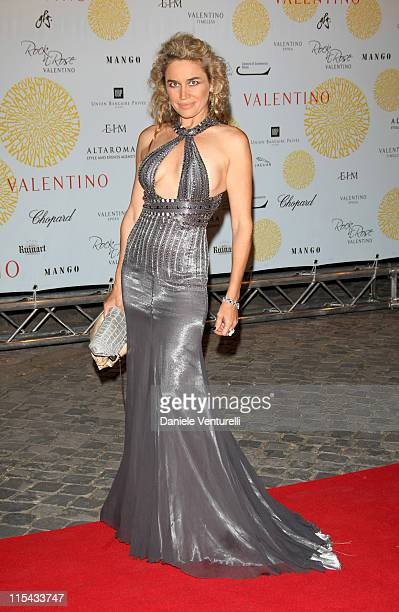 Lory Del Santo arrives for the 'Valentino In Rome 45 Years Of Style' Dinner at the Ari Paci on July 6 2007 in Rome Italy