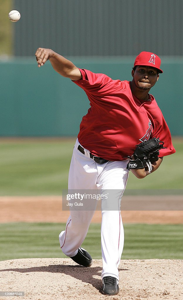 Los Angeles Angels pitcher Ervin Santana throws a pitch in Cactus League action vs the Seattle Mariners at Tempe Diablo Stadium in Tempe, Arizona on March 10, 2007.