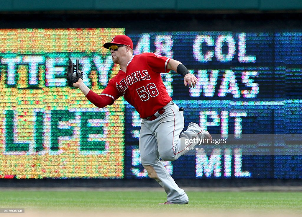 Los Angeles Angels right fielder Kole Calhoun catches the ball hit by Detroit Tigers third baseman Casey McGehee in the ninth inning of a baseball...