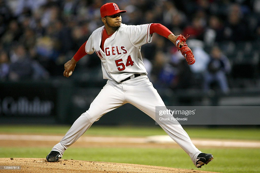 Los Angeles Angels' Starter, <a gi-track='captionPersonalityLinkClicked' href=/galleries/search?phrase=Ervin+Santana&family=editorial&specificpeople=243096 ng-click='$event.stopPropagation()'>Ervin Santana</a> pitches during their game versus the Chicago White Sox April 27, 2007 at U.S. Cellular Field in Chicago, Illinois. The White Sox led the Angels 2-0 in the 4th inning.