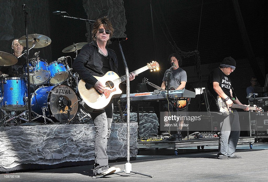 Los Angeles area high school and college students attend the Grammy Foundation's sound check and Q and A with the Goo Goo Dolls (L-R) Drums Mike Malinin, Lead Vocals and Guitar Jon Rzeznik and Bass Guitar Robby Takac at the Greek Theater on August 29, 2010 in Los Angeles, California.