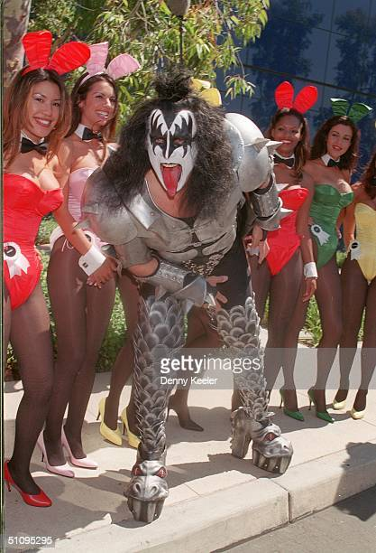 Los Angeles Ca Gene Simmons Of Kiss And The Playboy Bunnies At The Playboy Expo '99 Playmate Reunion Held At The Pacific Design Center