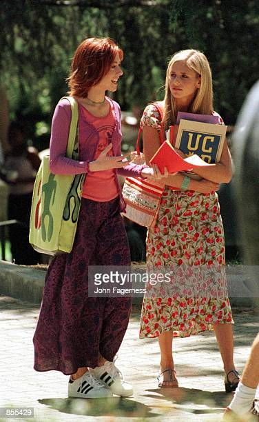 Los Angeles CA Sarah Michelle Gellar with costar Alyson Hannigan at the UCLA campus shooting 'Buffy The Vampire Slayer' Photo by ''99 JOHN...