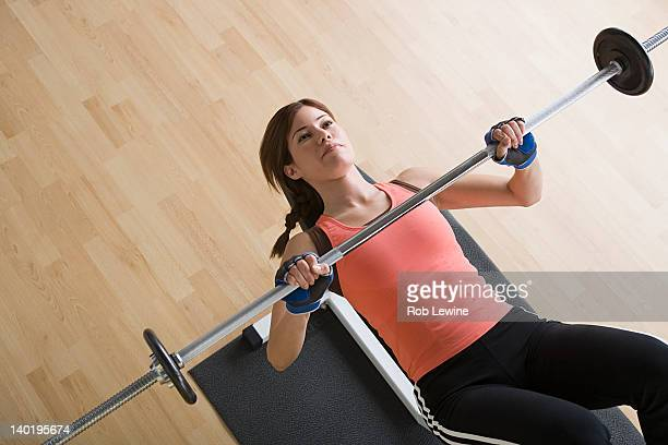 Los Angeles, California, USA, Woman lifting barbell