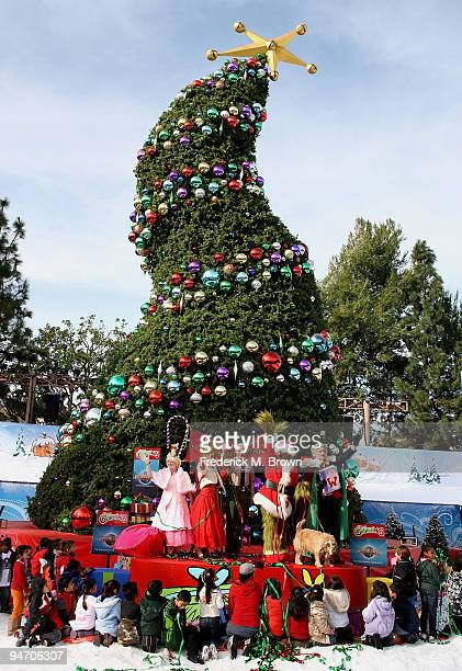 Los Angeles County Sheriff Lee Baca and Universal Studios characters launch the '13 Days of Grinchmas' on December 17 2009 in Universal City...