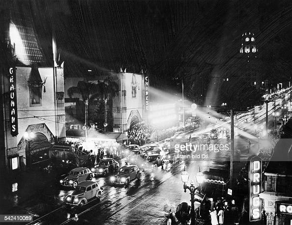 USA Los Angeles Grauman's Chinese Theater in Hollywood Premiere of a movie at Grauman's Chinese Theater in Hollywood probably around 1948 Vintage...