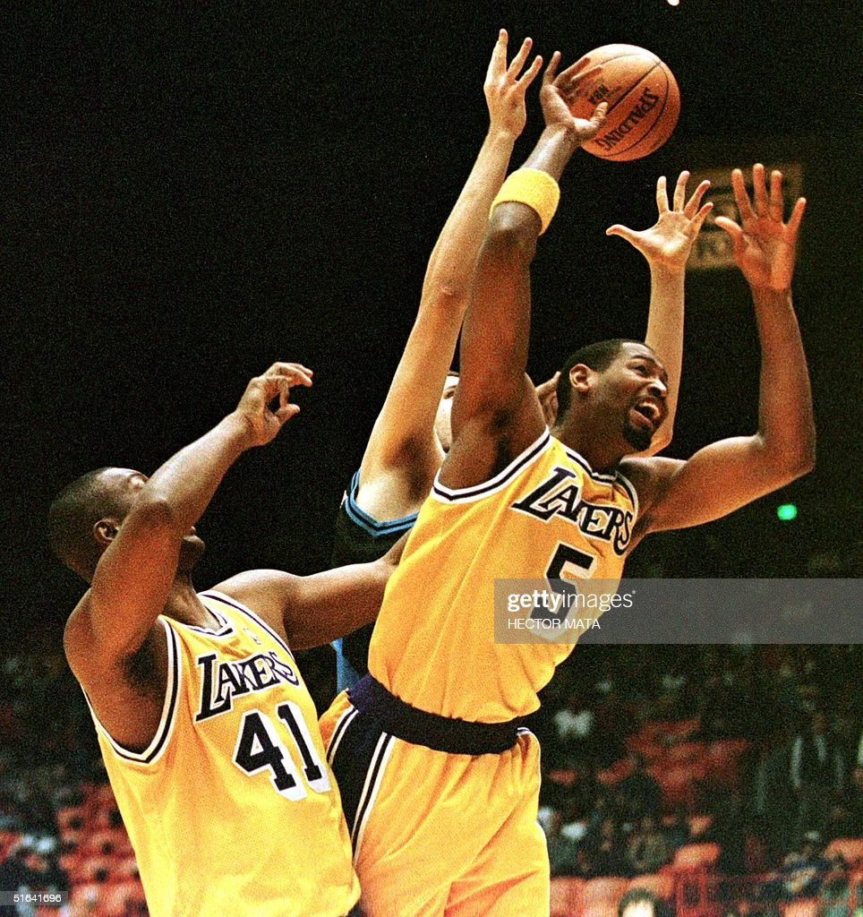 Los Angeles Lakers Elden Campbell L and Robert H