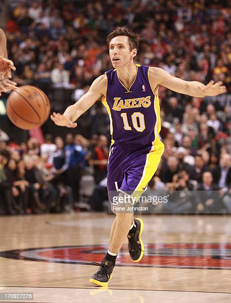 Los Angeles Lakers guard Steve Nash in Toronto Detail shot for any use Rene Johnston/ Toronto Star