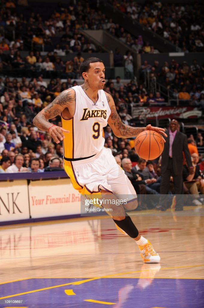 Los Angeles Lakers small forward <a gi-track='captionPersonalityLinkClicked' href=/galleries/search?phrase=Matt+Barnes+-+Basketspelare&family=editorial&specificpeople=202880 ng-click='$event.stopPropagation()'>Matt Barnes</a> #9 drives to the basket during the game against the Golden State Warriors at Staples Center on October 31, 2010 in Los Angeles, California. The Lakers won 107-83.