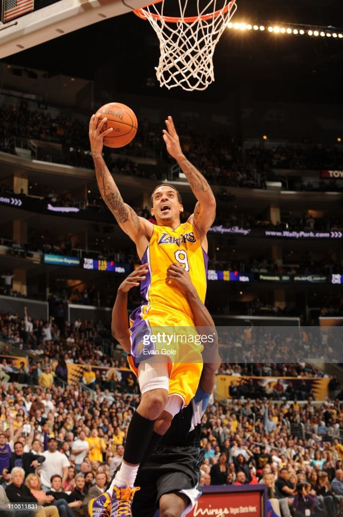 Los Angeles Lakers small forward <a gi-track='captionPersonalityLinkClicked' href=/galleries/search?phrase=Matt+Barnes+-+Basketspelare&family=editorial&specificpeople=202880 ng-click='$event.stopPropagation()'>Matt Barnes</a> #9 goes to the basket during the game against the Minnesota Timberwolves at Staples Center on March 18, 2011 in Los Angeles, California. The Lakers won 106-98.