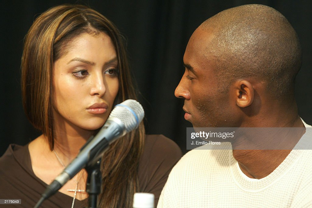 los-angeles-lakers-star-kobe-bryant-and-his-wife-vanessa-speaks-at-picture-id2175043
