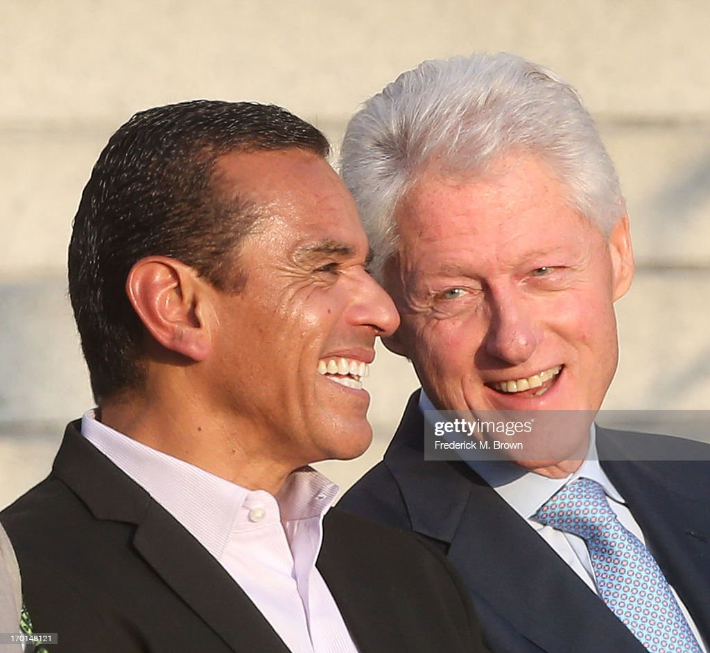 Los Angeles Mayor <a gi-track='captionPersonalityLinkClicked' href=/galleries/search?phrase=Antonio+Villaraigosa&family=editorial&specificpeople=178925 ng-click='$event.stopPropagation()'>Antonio Villaraigosa</a> (L) and former President <a gi-track='captionPersonalityLinkClicked' href=/galleries/search?phrase=Bill+Clinton&family=editorial&specificpeople=67203 ng-click='$event.stopPropagation()'>Bill Clinton</a> Pays Tribute to Mayor <a gi-track='captionPersonalityLinkClicked' href=/galleries/search?phrase=Antonio+Villaraigosa&family=editorial&specificpeople=178925 ng-click='$event.stopPropagation()'>Antonio Villaraigosa</a> at Celebrate LA! on June 7, 2013 in Los Angeles, California.