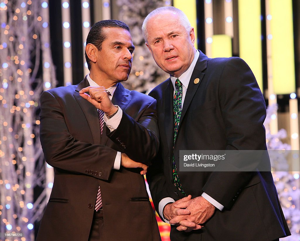 Los Angeles Mayor <a gi-track='captionPersonalityLinkClicked' href=/galleries/search?phrase=Antonio+Villaraigosa&family=editorial&specificpeople=178925 ng-click='$event.stopPropagation()'>Antonio Villaraigosa</a> (L) and Los Angeles City Councilmember <a gi-track='captionPersonalityLinkClicked' href=/galleries/search?phrase=Tom+LaBonge&family=editorial&specificpeople=220711 ng-click='$event.stopPropagation()'>Tom LaBonge</a> attend Universal CityWalk Tree Lighting - Light Show Spectacular at 5 Towers Outdoor Concert Arena on November 20, 2012 in Universal City, California.