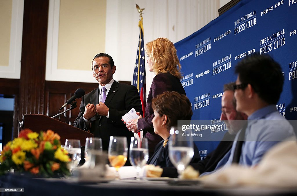 Los Angeles Mayor Antonio Villaraigosa answers questions from the audiences after he addressed a National Press Club luncheon January 14, 2013 at the National Press Club in Washington, DC. Villaraigosa spoke on 'Immigration Reform: Now is the Time.'