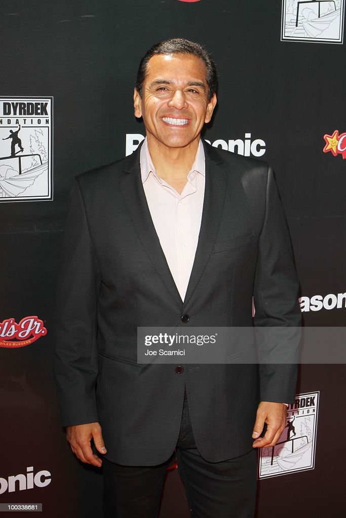 Los Angeles Mayor Antonio Villaraigosa arrives to the Rob Dyrdek Foundation's 'Sk8 For Life' Benefit at Fantasy Factory on May 22, 2010 in Los Angeles, California.