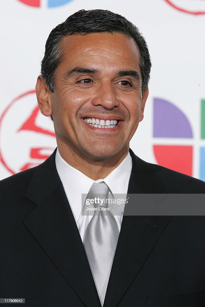 Los Angeles Mayor <a gi-track='captionPersonalityLinkClicked' href=/galleries/search?phrase=Antonio+Villaraigosa&family=editorial&specificpeople=178925 ng-click='$event.stopPropagation()'>Antonio Villaraigosa</a> during The 6th Annual Latin GRAMMY Awards - Press Room at Shrine Auditorium in Los Angeles, CA, United States.