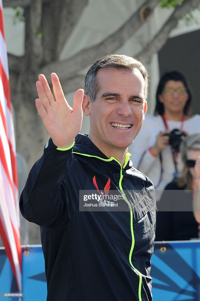 Los Angeles Mayor Eric Garcetti at the start of the U.S. Olympic Team Trials Marathon on February 13, 2016 in Los Angeles, California.
