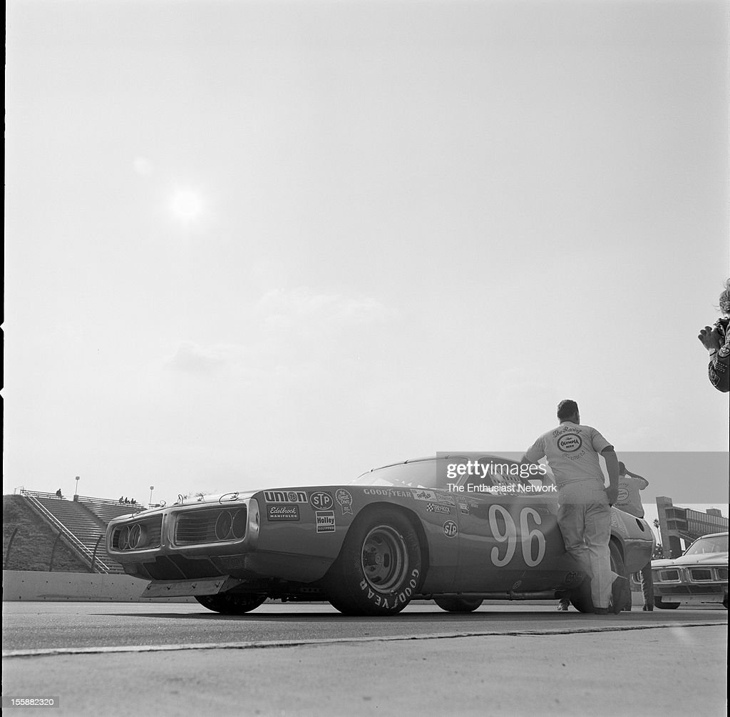 Los angeles times 500 ontario motor speedway ray elder for Los angeles motor speedway