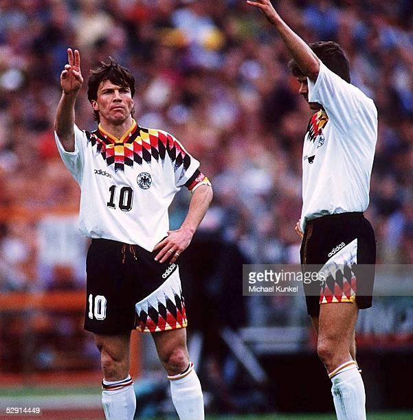FUSSBALL GER IRL 02 29594 Lothar MATTHAEUS /Andreas Moeller Fussballspieler GER