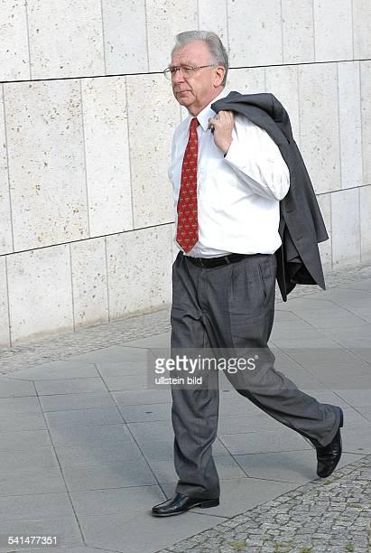 Lothar Späth *Politiker Manager CDU DVorstandsvorsitzender der Jenoptik AGGanzkörperaufnahme