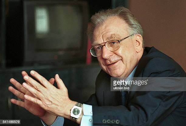 Lothar Späth *Politiker Manager CDU DVorstandsvorsitzender der Jenoptik AGPorträt im Gespräch