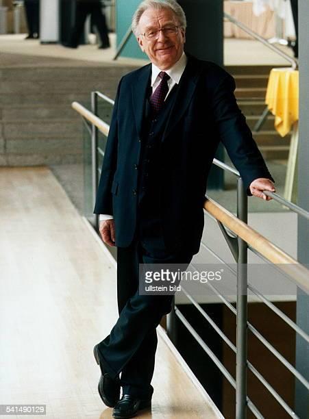 Lothar Späth *Politiker Manager CDU DVorstandsvorsitzender der Jenoptik AGGanzkörperaufnahme August 2002