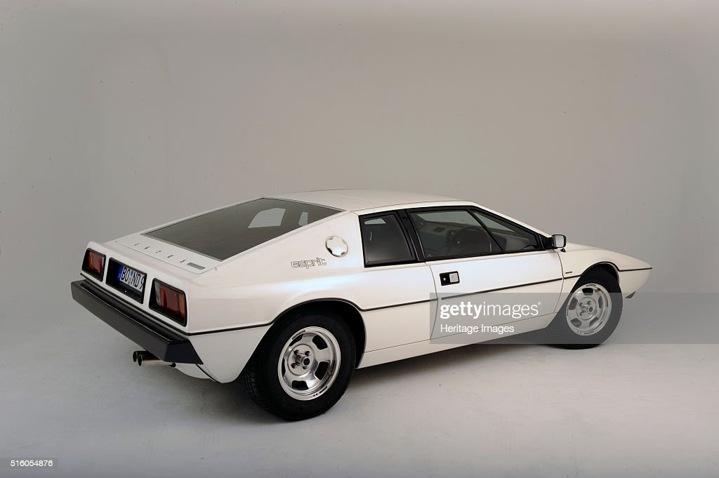 lotus esprit 1977 from the james bond film the spy who loved me by pictures getty images. Black Bedroom Furniture Sets. Home Design Ideas