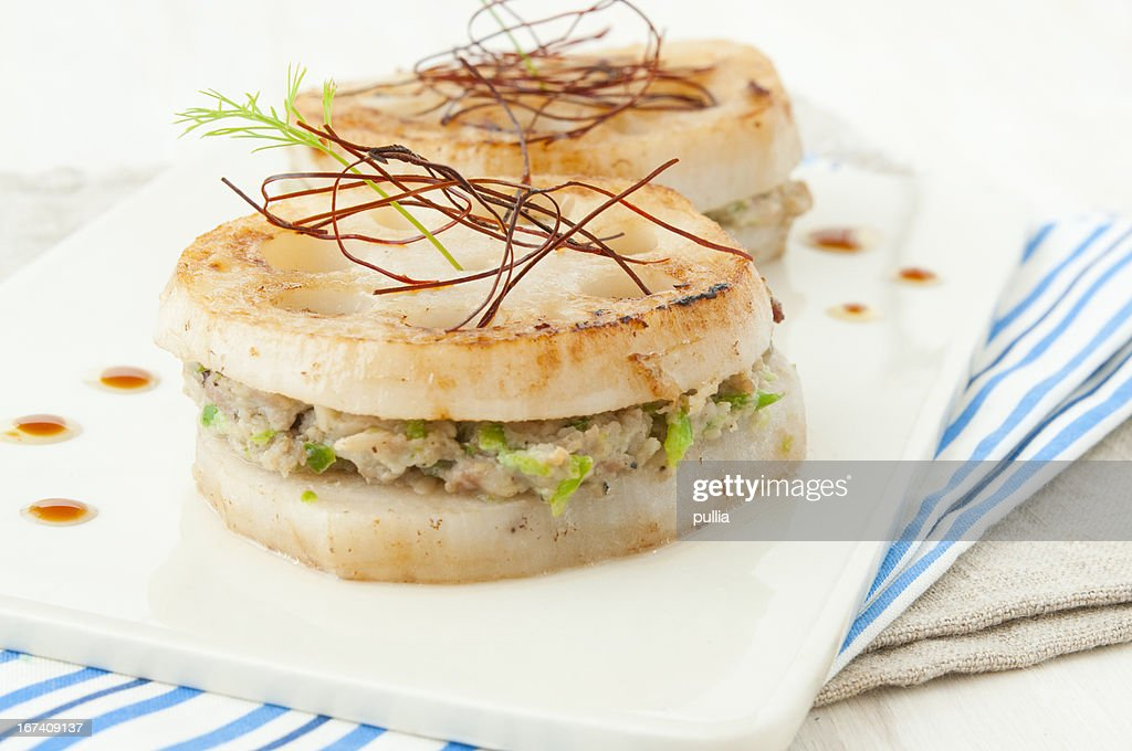 lotus root with meat : Bildbanksbilder