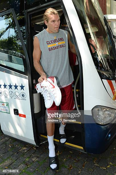Lou Amundson of the Cleveland Cavaliers arrives for practice at Flamengo Club Borges de Medeiros as a part of NBA Global Games on October 10 2014 in...