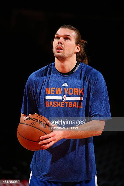Lou Amundson of the New York Knicks warms up before the game against the Charlotte Hornets on January 10 2015 at Madison Square Garden in New York...