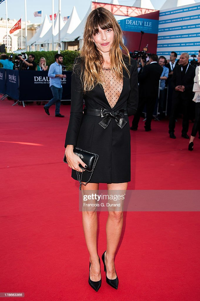 <a gi-track='captionPersonalityLinkClicked' href=/galleries/search?phrase=Lou+Doillon&family=editorial&specificpeople=208822 ng-click='$event.stopPropagation()'>Lou Doillon</a> arrives at the opening ceremony of the 39th Deauville American Festival on August 30, 2013 in Deauville, France.