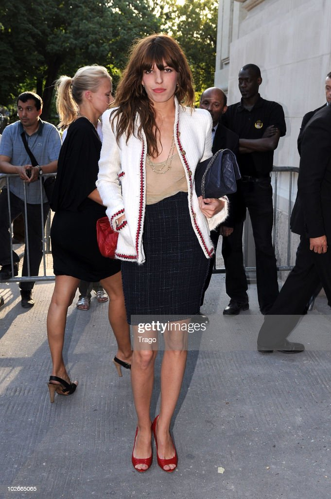 <a gi-track='captionPersonalityLinkClicked' href=/galleries/search?phrase=Lou+Doillon&family=editorial&specificpeople=208822 ng-click='$event.stopPropagation()'>Lou Doillon</a> attends the Chanel fashion show as part of the Paris Haute Couture Fashion Week Fall/Winter 2011 on July 6, 2010 in Paris, France.